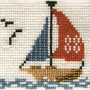 Рис. 2 Кораблик из бисера.  Вышитый образец.  Ширина картинки составляет 46 бисерин, длина 35, всего бисерин 1610 штук.